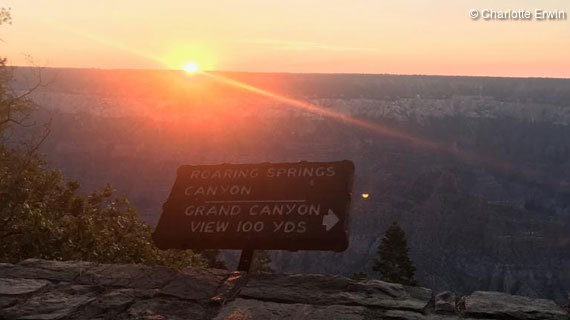 Sonnenaufgang am Grand Canyon