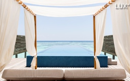 Grand Pool Water Villa LUX* South Ari Atoll